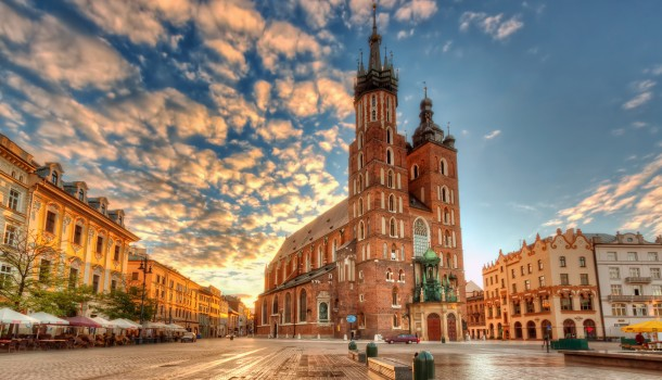 St. Mary's Basilica, Krakow Image courtesy of Nico Trinkhaus via Flickr